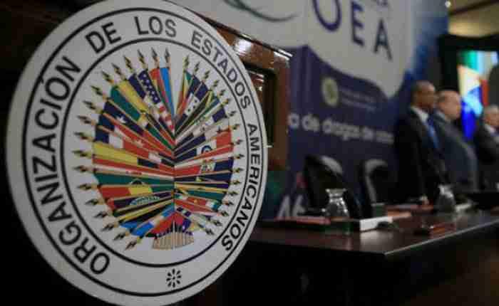 En relación a las amenazas de la salida de Venezuela de la OEA